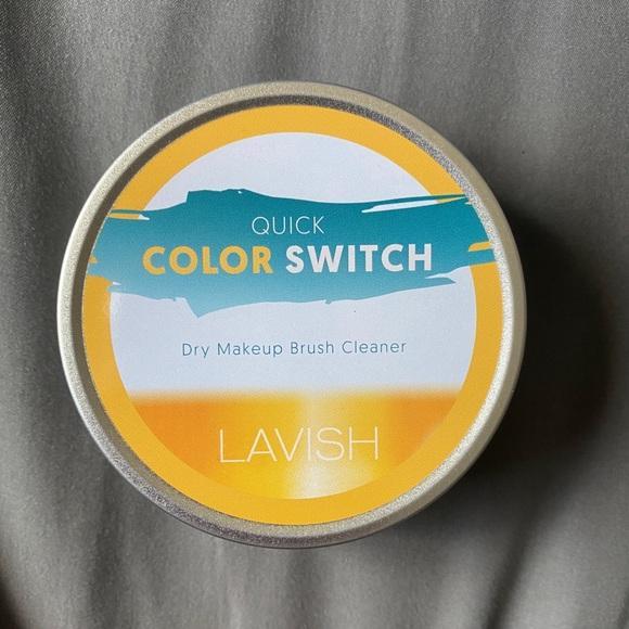 Lavish dry makeup brush cleaner